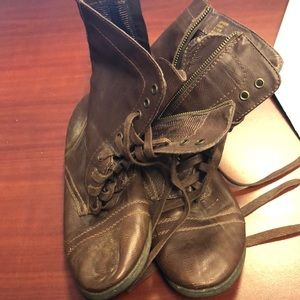 RAMPAGE BROWN JEPSON BOOTS 6.5